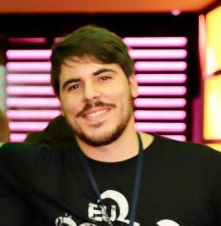 Álvaro Souza